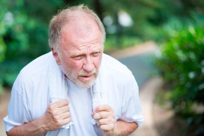 Bild: Risiko Fettleibigkeit - Mann kurzatmig